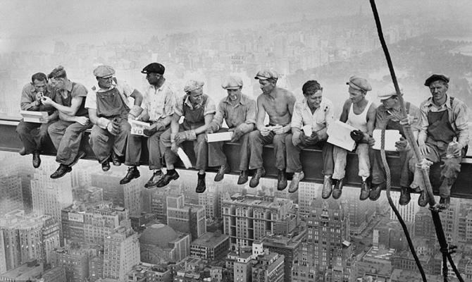 Una dintre cele mai celebre poze din 1932, recreate in 2011. Iata cum