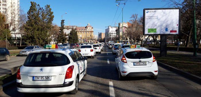Protest Taximetristi: Inca O Zi De Nebunie In Trafic La Timisoara. Taximetristii